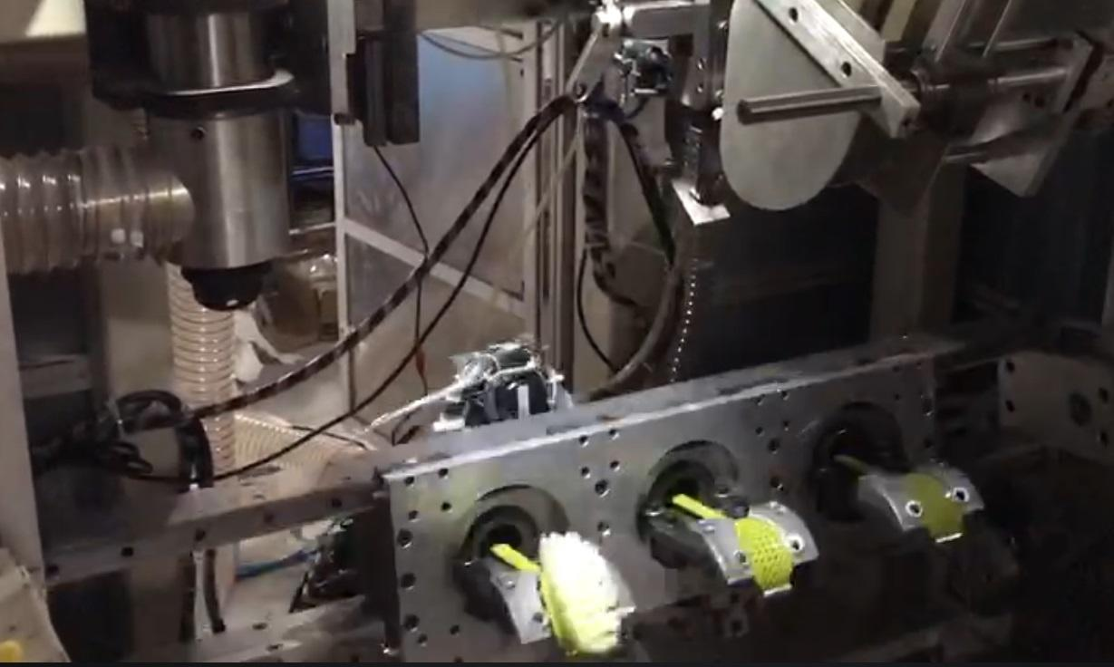 5 Axis 2 Drilling With 1 Tufting Hockey Brush Making Machine